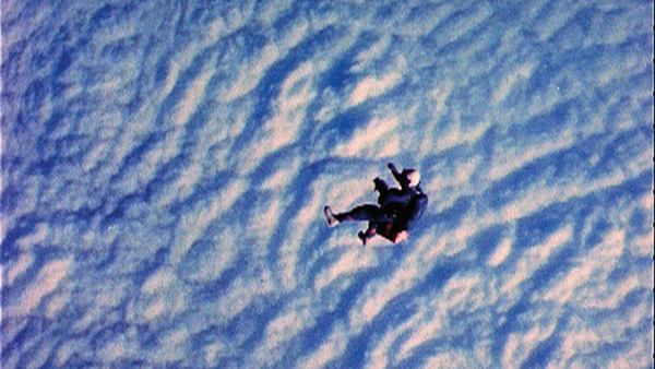 Falling in space 720 405 90